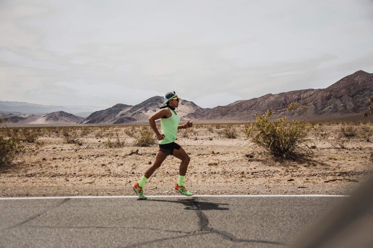 Running through Death Valley, California, in 109F/42C temperature during the Speed Project race (March 30 - April 1, 2018)